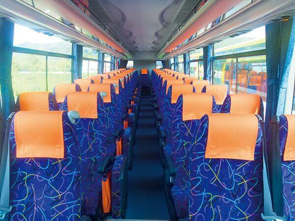 4列座位(標準座位11排)